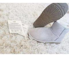 Vand cizme dama UGG Australia mini sand bej autentice noi impermeabile