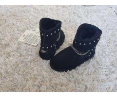 Vand cizme UGG Australia mini black lant impermeabile piele blana oaie
