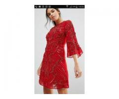 Vand rochie rosie scurta medie