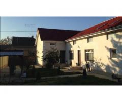 Vand Casa mare, 6 dormitoare ,4 bai, Arad, tip Duplex